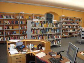 Bild mit Schalter der Bibliothek